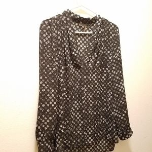 Womens size medium Vince Camuto blouse